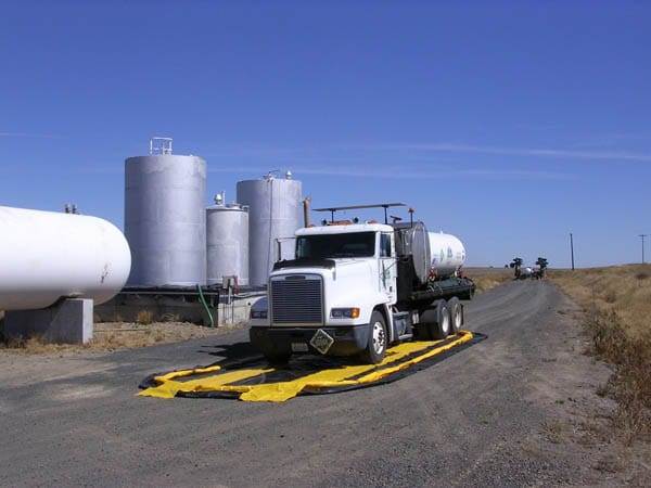 chemtech-us-products-images-spill-containment-berms-Full-Pic-of-Throw-N-Go-and-Tanker-Truck-1024x768 Spill Containment Berms